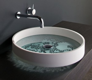 The Motif basin with pebble effect